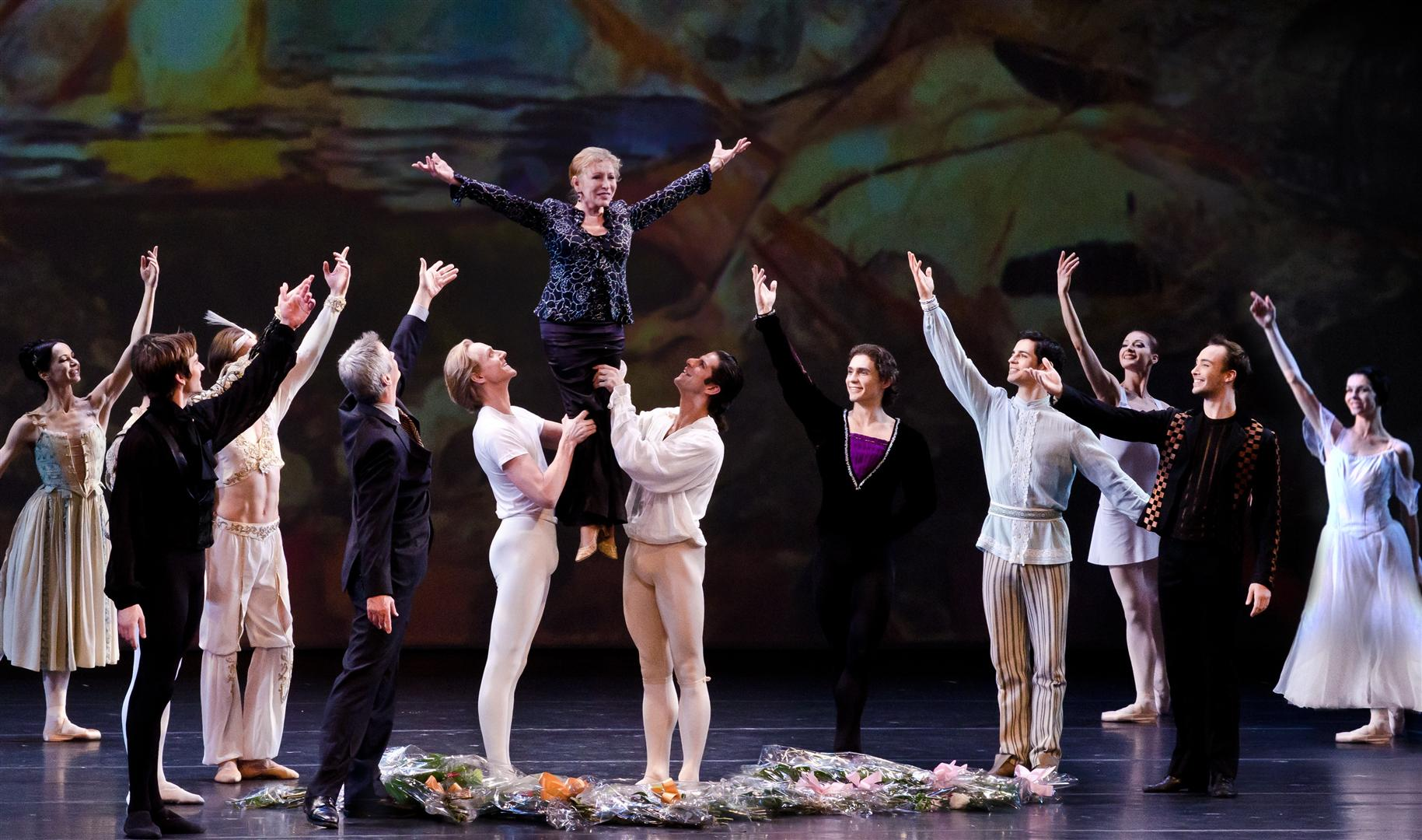 Marcelo-Gomes-David-Hallberg-give-Natalia-Makarova-a-lift-at-the-Gala-in-her-honor-2012-Photo_-Gene-Schiavone