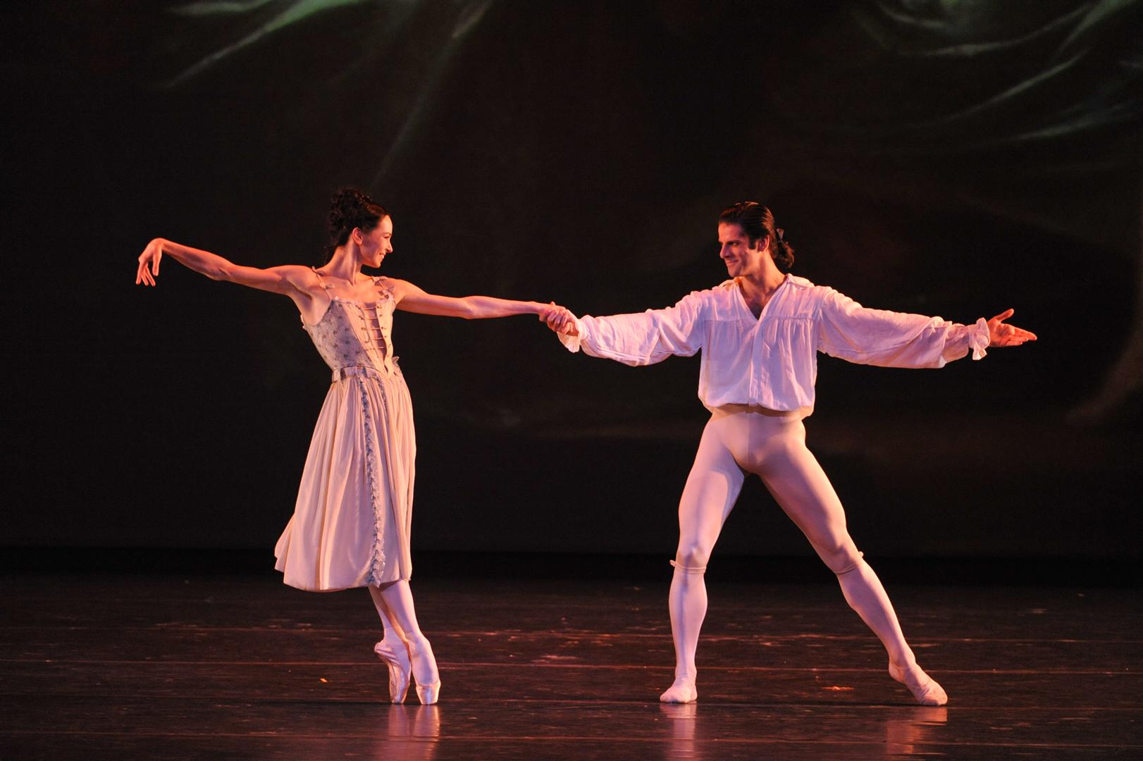 Marcelo-Gomes-and-Diana-Vishneva-perform-a-tribute-to-Natalia-Makarova-gala-2012-Photo_-Gene-Schiavone