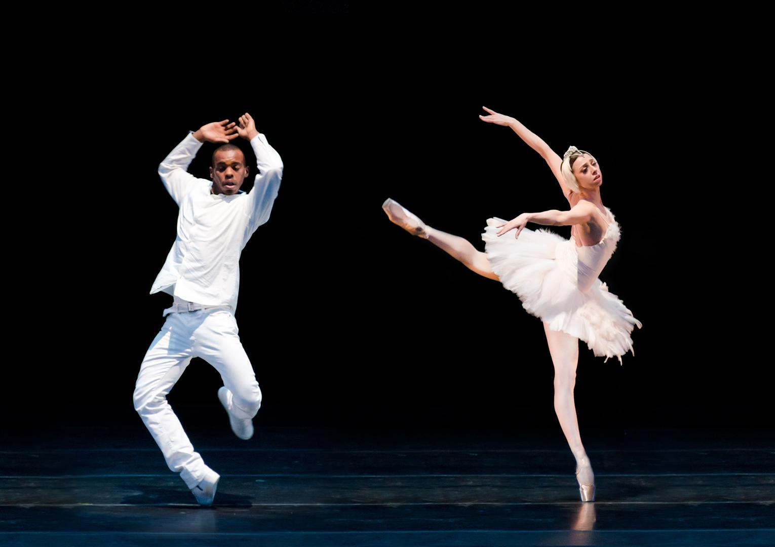 Nina-Ananiashvili-Lil-Buck-perform-two-alternate-versions-of-_The-Dying-Swan_-at-the-2013-Gala-Photo_-Lisa-Voll
